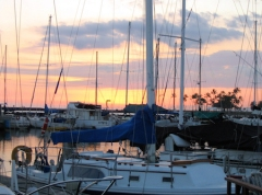 photo for foot class - sunset & boats Honolulu, Hawaii Date: Saturday March 27, 2004