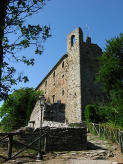 path up to the Fortezza del Girifalco