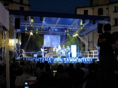concert in Piazza dell'Anfiteatro Italy Trip 2009, Lucca, Italy Date: Thursday July 02, 2009