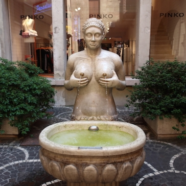 Fontana delle Tette (replica) Treviso, Italy Date: Tuesday May 30, 2017
