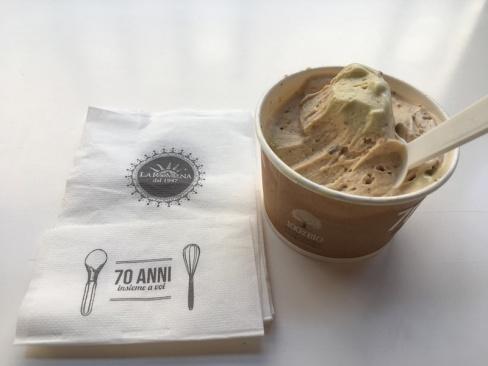 Nocciola e pistachio gelato - Gelateria La Romana dal 1947 Treviso, Italy Date: Tuesday May 30, 2017