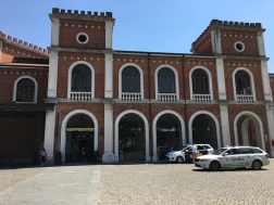 another view of the Brescia train station building