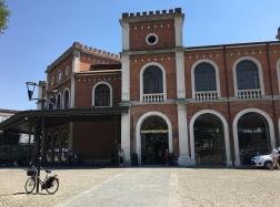Brescia train station building
