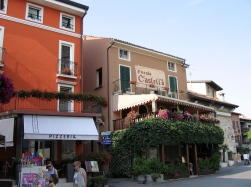 Italy Trip 2005, Sirmione. Lago di Garda, Italy Date: Monday June 20, 2005