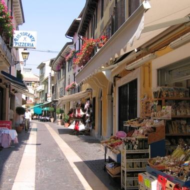 Italy Trip 2005, Bardolino, Lago di Garda, Italy Date: Wednesday June 22, 2005