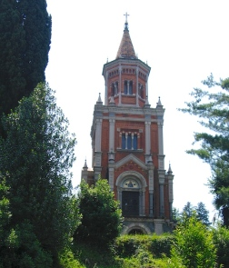 Mausoleum built by architect Balzaretto in the XIX century Italy Trip 2005, Bellagio, Lago di Como, Italy Date: Tuesday June 28, 2005